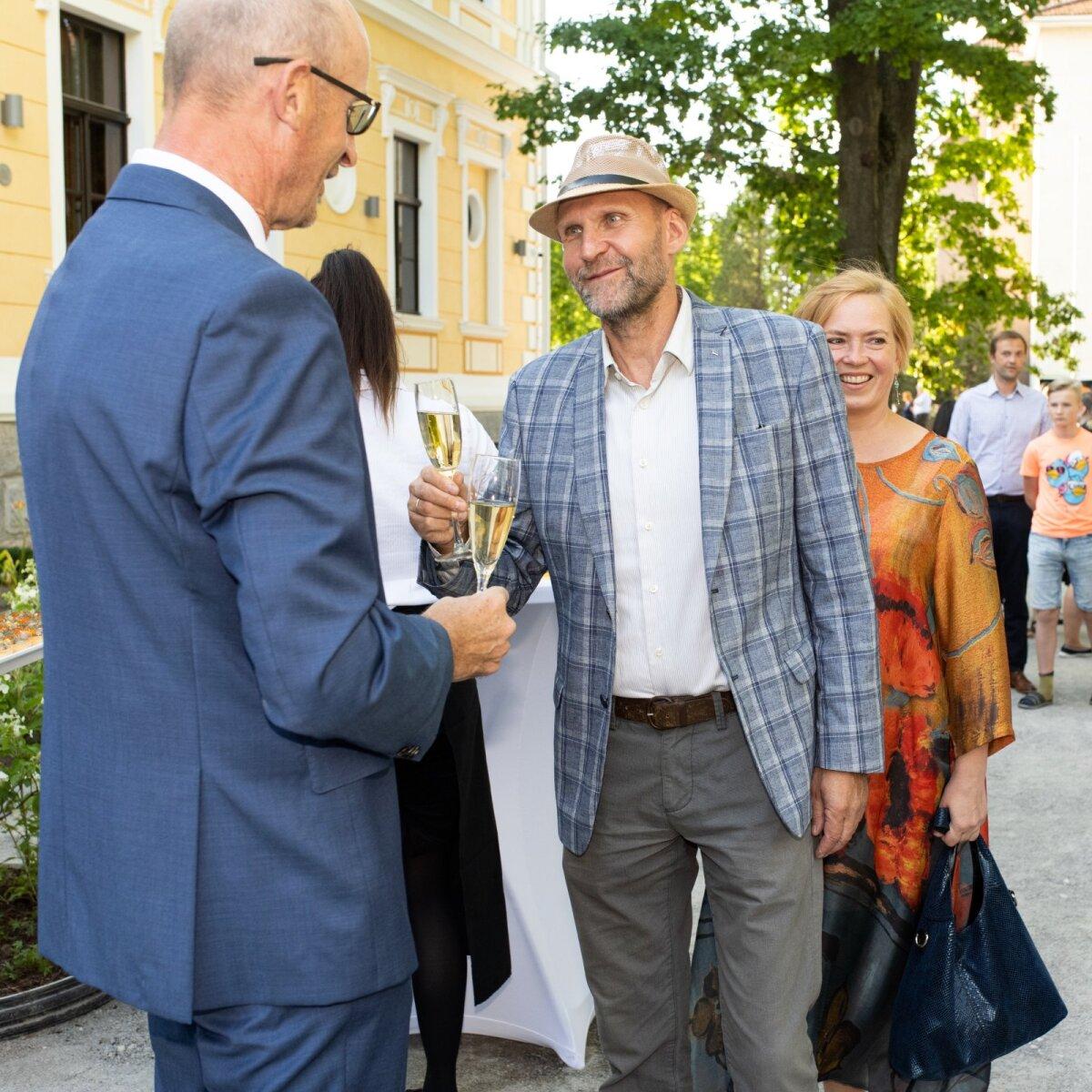 KLAASID KOKKU! Palju õnne soovivad Isamaa esimees Helir-Valdor Seeder ja tema abikaasa Janne.