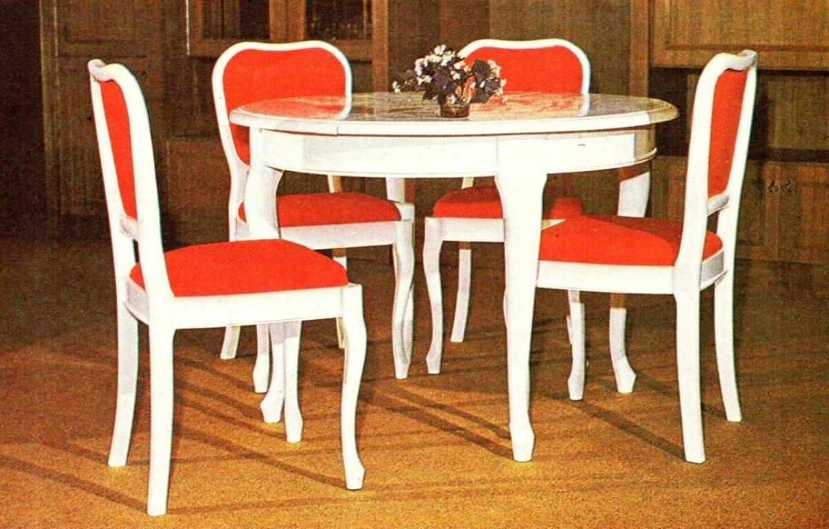 Enno Holmi 1970. aastate keskpaigas disainitud barokilik söögitoamööbel Bella.
