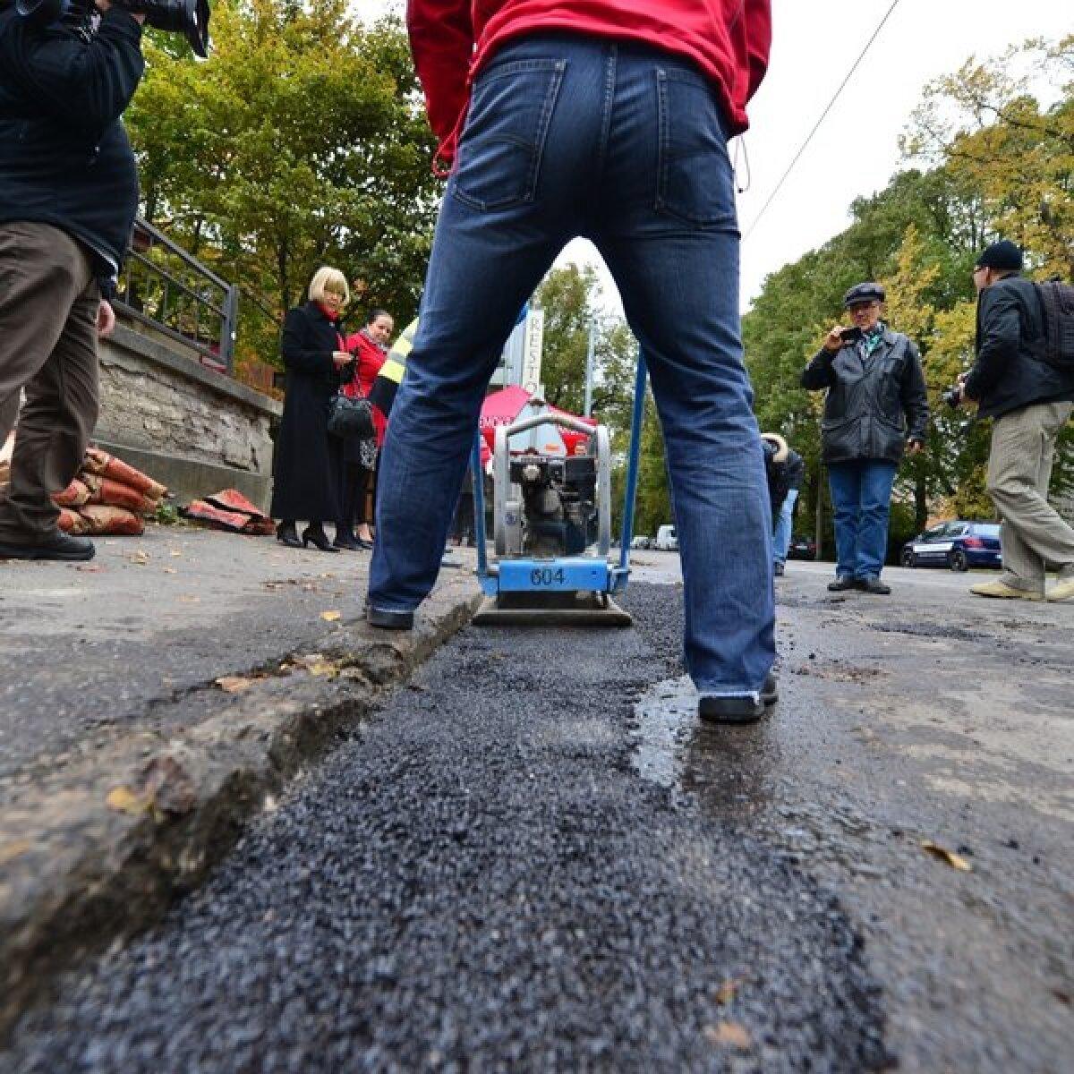 Sotsid panid asfalti