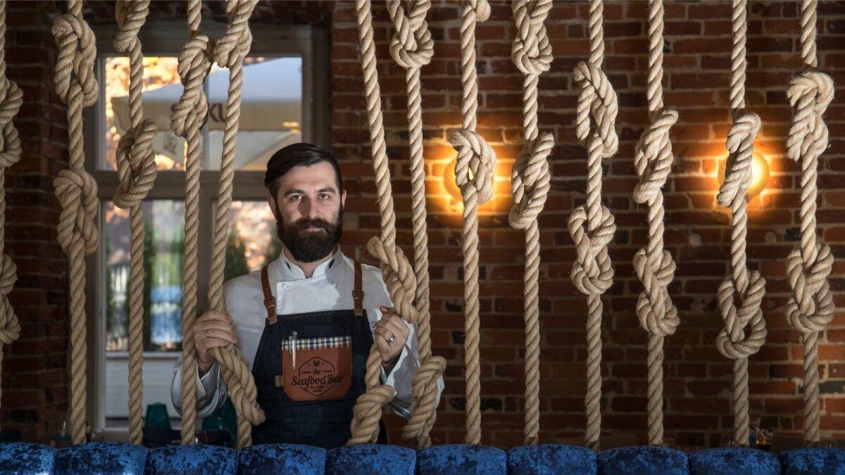 The Seafood Bar peakokk Dmitri Fomenko.