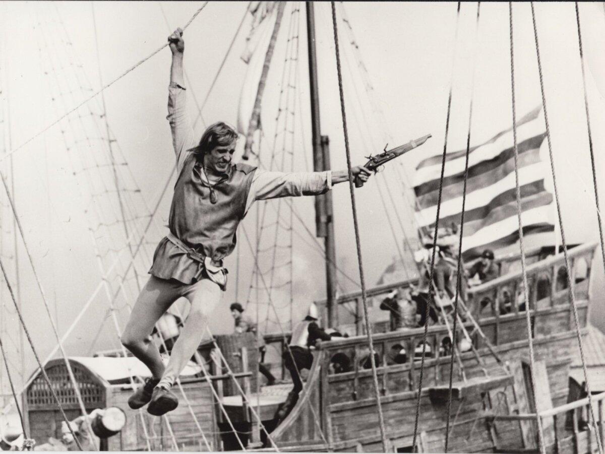 """NÕUKOGUDE HITTFILM: Lembit Ulfsak Thijl Ulenspiegeli rollis filmis """"Legend Ulenspiegelist"""" (1976, režissöörid Aleksandr Alov ja Vladimir Naumov)."""