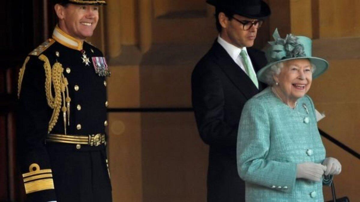 Судя по всему, королева осталась довольна парадом