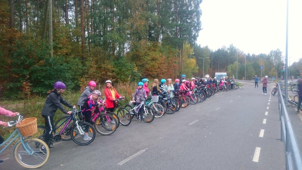 Nõmme Põhikoolis toimuvad jalgratta- ja liiklustunnid - Spordinädala raames on ees ootamas rattamatk Harku metsas