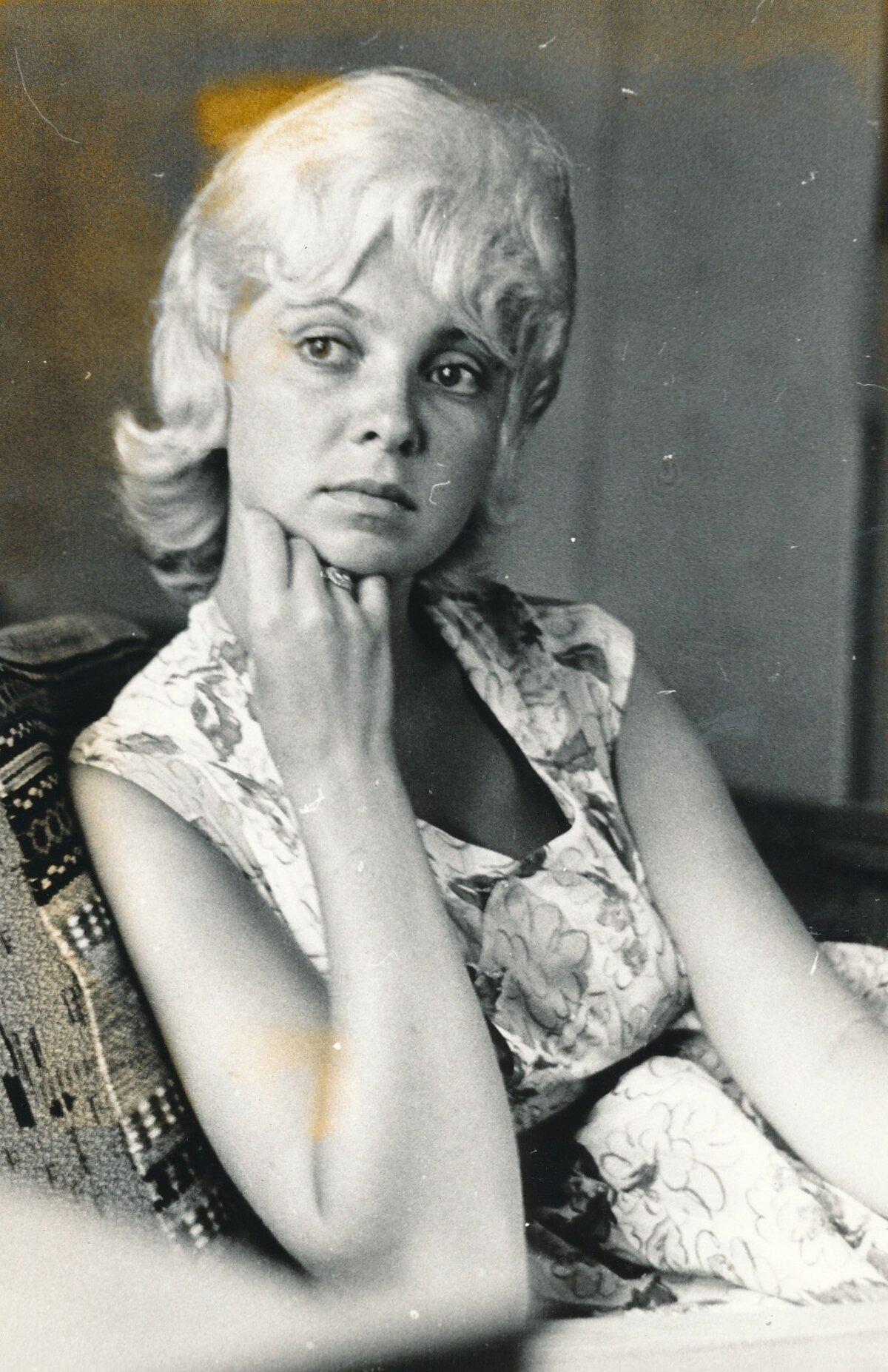 Omaaegne seksisümbol Ada Lundver.
