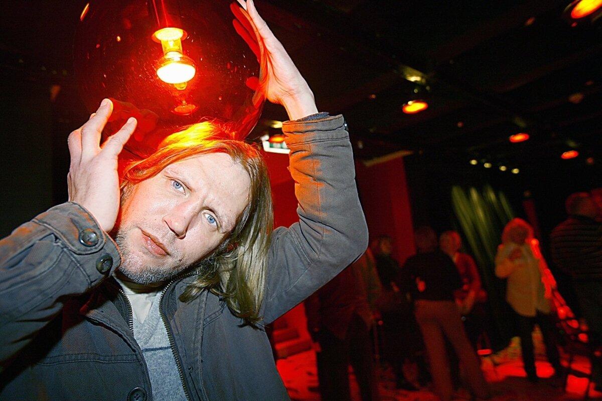 ÖÖELU: Marko Mägi Valli baarist valminud dokumentaalfilmi esilinastusel 2008. aastal.