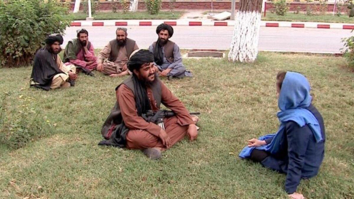 """""""Мы все афганцы"""", - говорит корреспонденту Би-би-си один из талибов"""