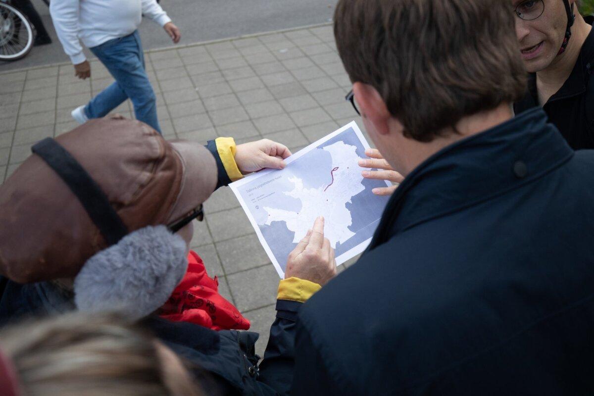 Ratturid tutvustasid abilinnapeale jalgrattateede kaarti.