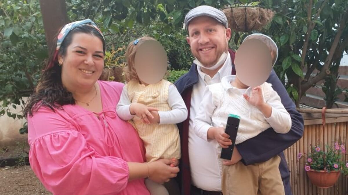 Това Леви и ее семья покинули дом, когда в их районе арабская молодежь начала нападать на прохожих-евреев