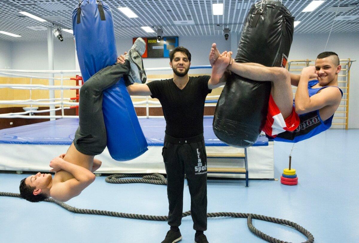 VAADAKE NÜÜD! Suur tulevikulootus Jaan (vasakul), Armando (keskel) ja Rekardo näitavad, kui kõvad mehed nad on.