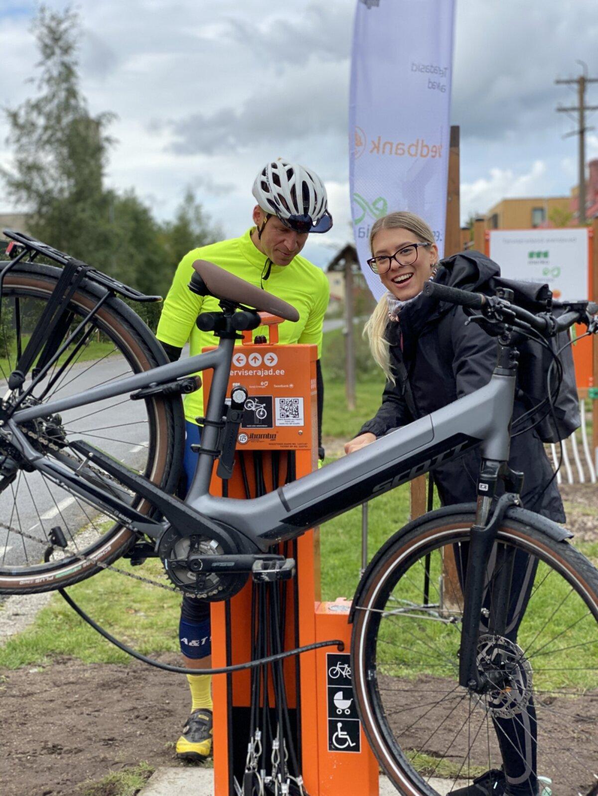 Jalgratta remondipunkt- Rait Pallo ja Grete Šillis