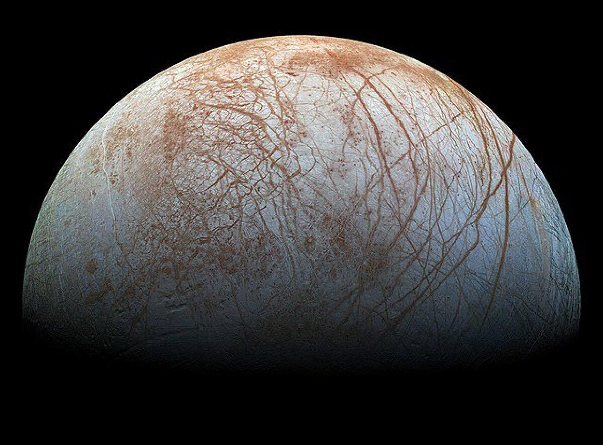 Mosaiik Europast 1990ndate lõpus, koosneb kosmoseaparaadi Galileo pardalt tehtud fotodest (foto: NASA, JPL-Caltech, SETI instituut / CC BY-SA 4.0 / Wikimedia Commons)