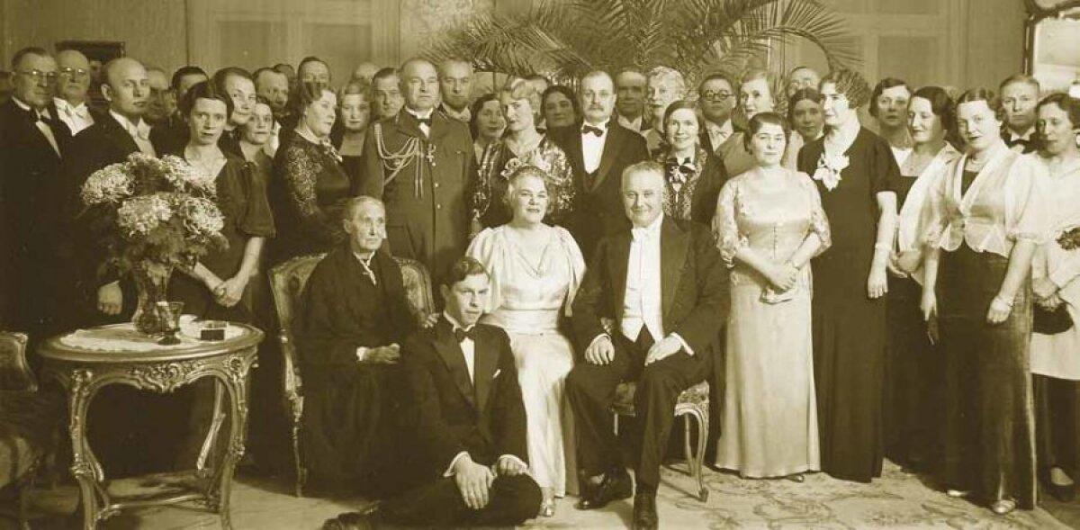 Perekond Laidonerid koos külalistega