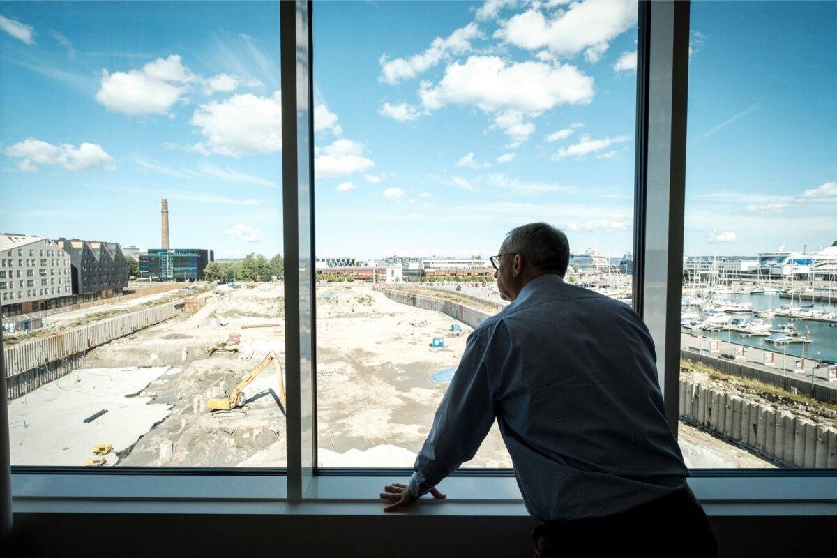 Suurärimees Hillar Teder jälgimas oma viimase aja ühe suurima projekti - Porto Franco - valmimist.