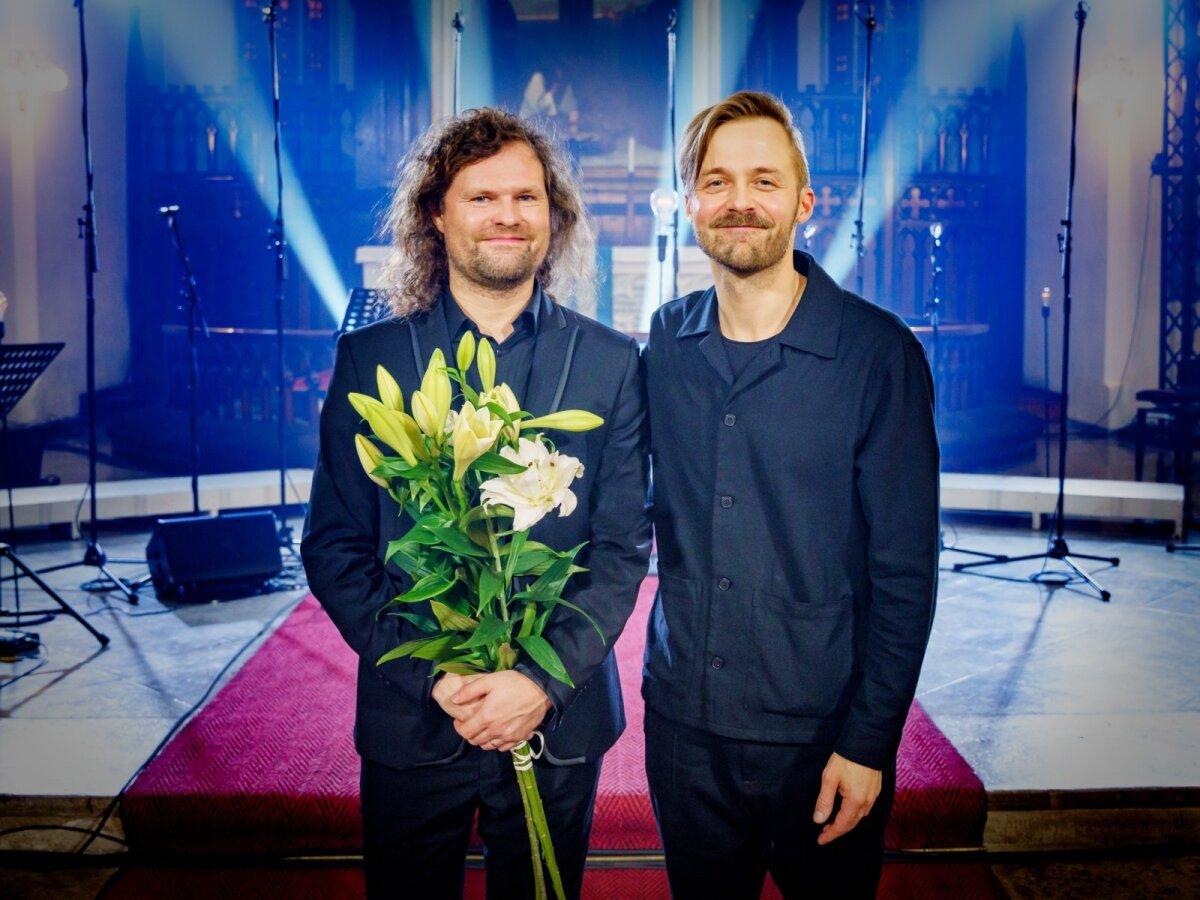 SÜDAÖINE: Dirigent Endrik Üksvärav ja Erki Pärnoja.