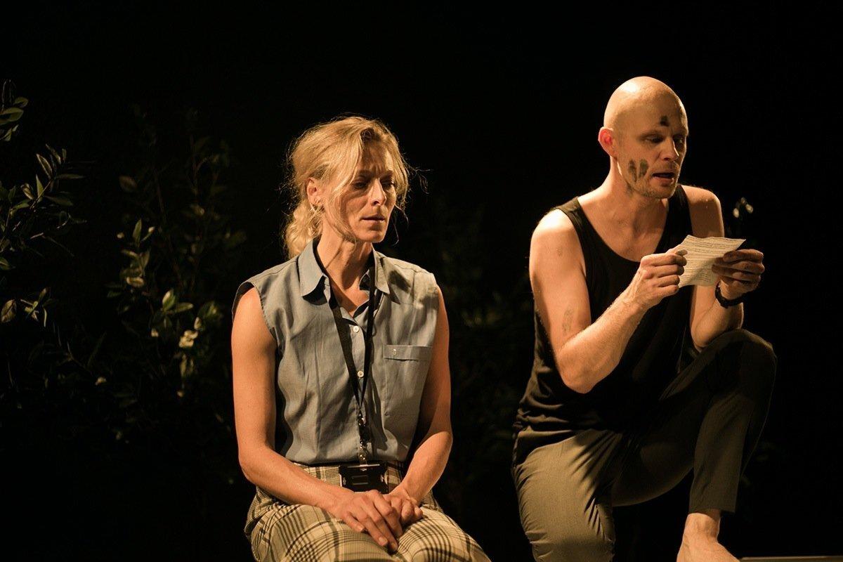 """Karlova Teatri """"Minu haukuv koer"""", lavastaja Taago Tubin."""