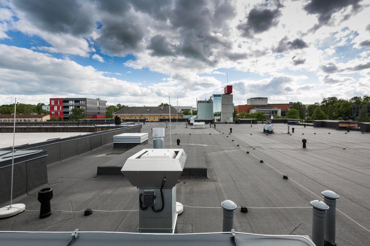 Kvartali keskuse katus Tartu südalinnas