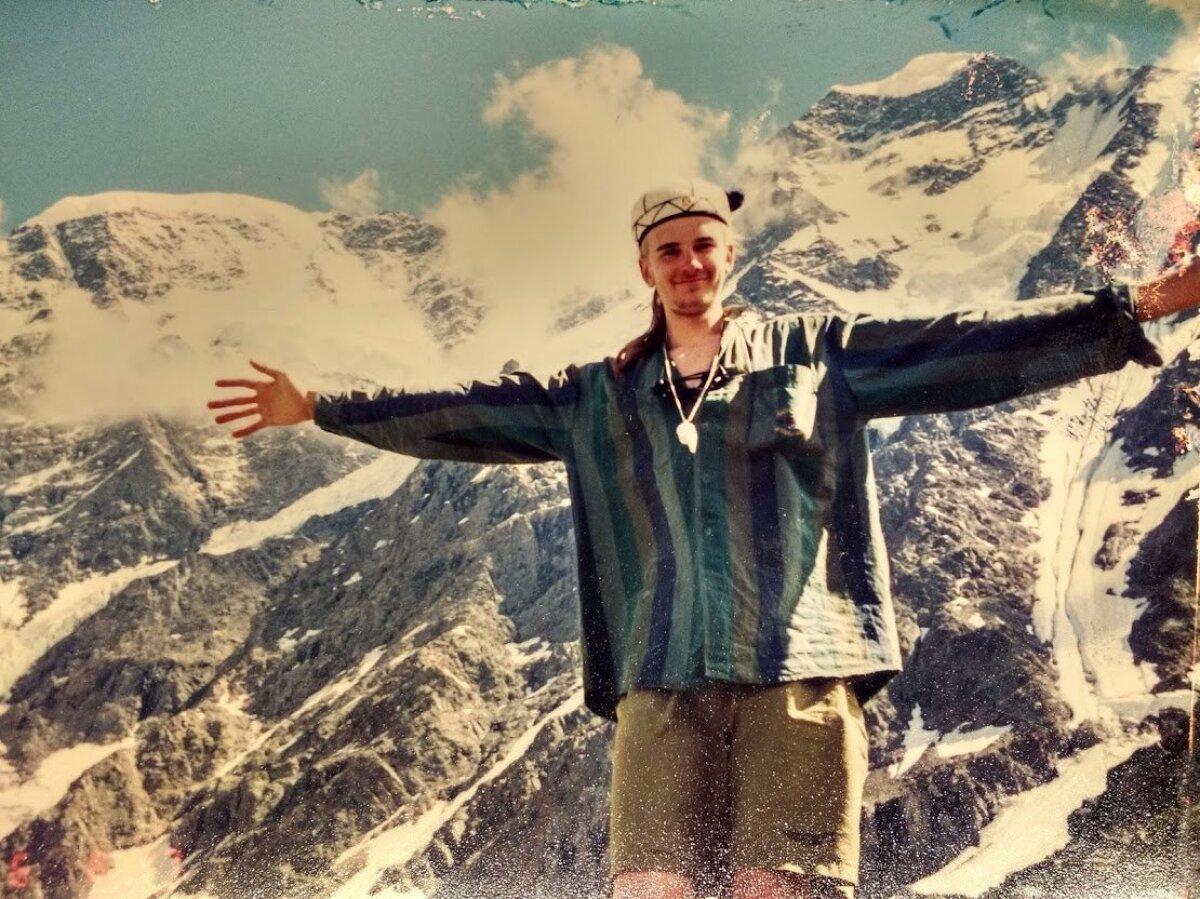 Noormatkaja esmakordselt lumistes mägedes aastal 1997