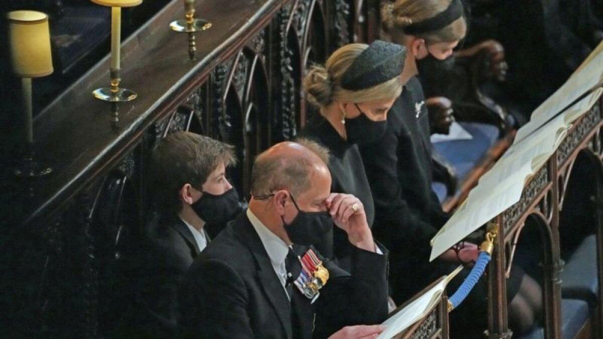 Семья Уэссексов на похоронах принца Филиппа. У Софи с ним были прекрасные отношения