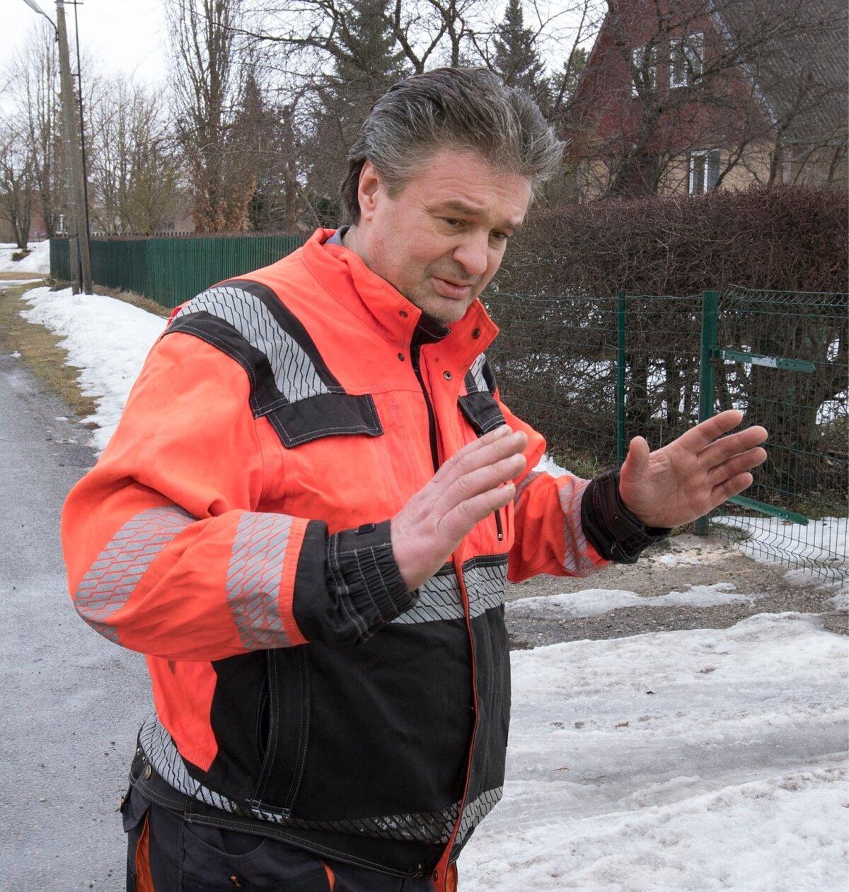 """""""Nad tulevad, kilekott näpus, ja kohe nõuavad midagi,"""" kirjeldas kohalikku tööjõudu OÜ Sarapiku Piim varustaja Urmas Riik."""
