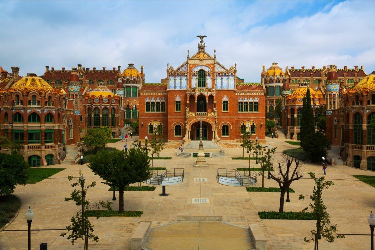 SANT PAU HOSPIDAL: uhke haiglakompleks kuulub UNESCO maailmapärandi nimistusse.