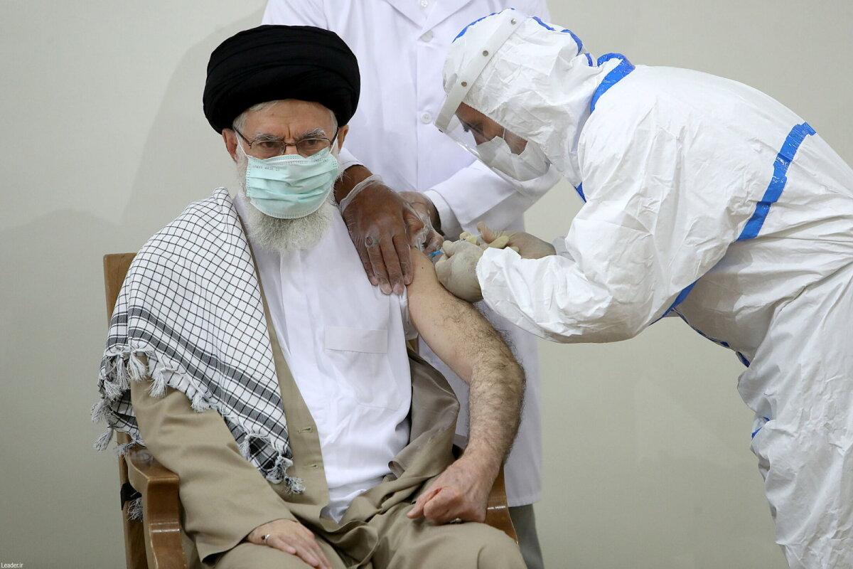 Ajatolla Ali Khamenei sai möödunud kuu lõpul teise doosi kohalikku COVIran Barakati vaktsiini.