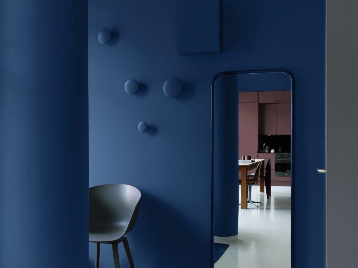 Sügavsinine toon Rootsi värvitootja Alcro värvipaletist - siidjas ja julge