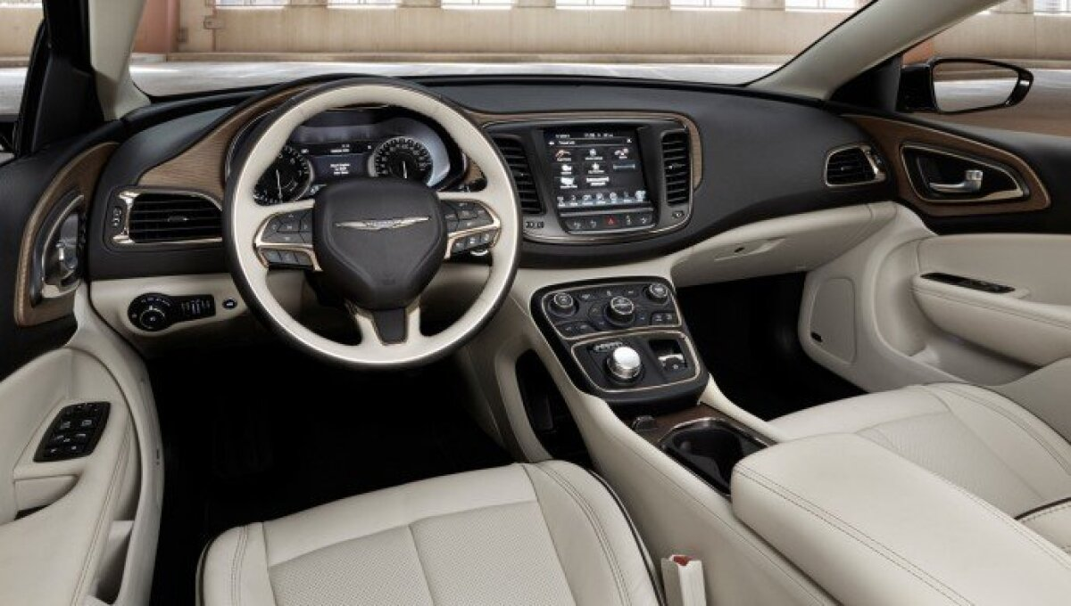 Foto: tootja (2015, Chrysler 200C)
