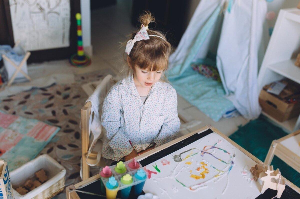 Kunstihuvilisele lapsele tasub kujundada loovusnurk.