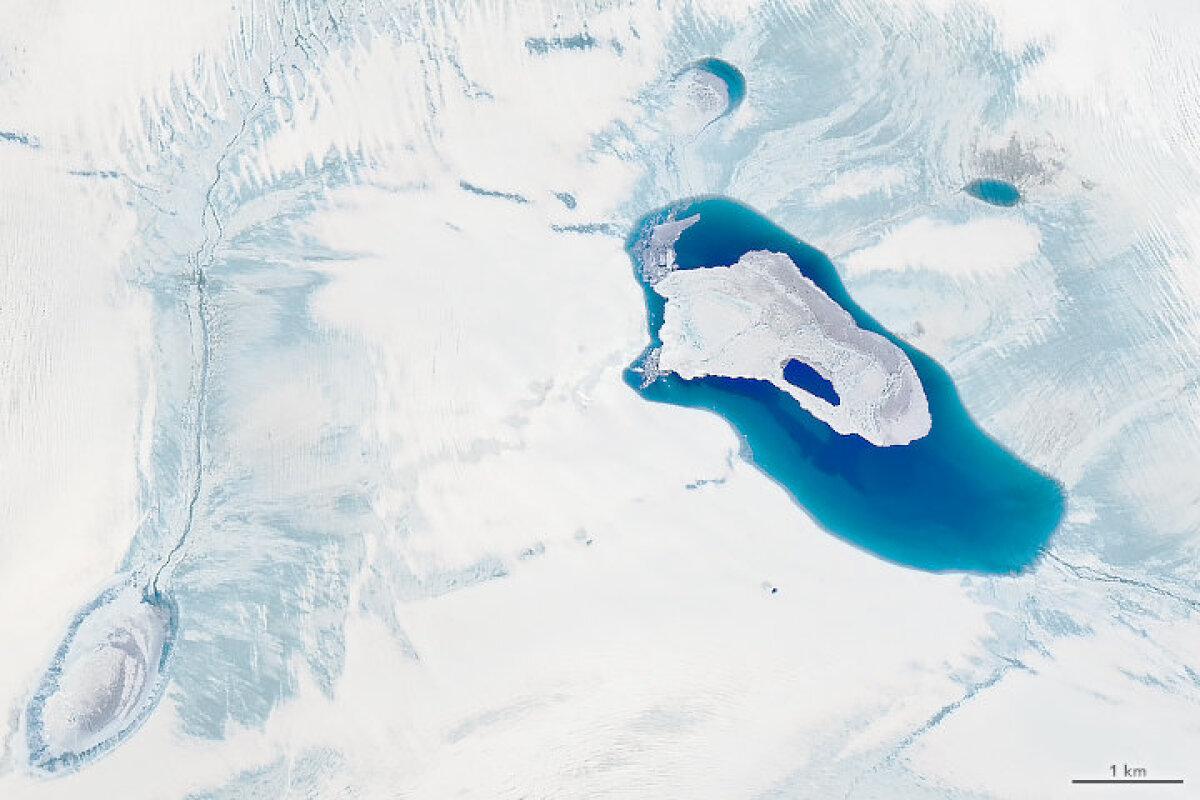 Gröönimaad katva jää sulamine servadelt on suveperioodil tavaline, kuid sel aastal on sulav ala erakordselt suur - ligi miljoni ruutkilomeetri suurune