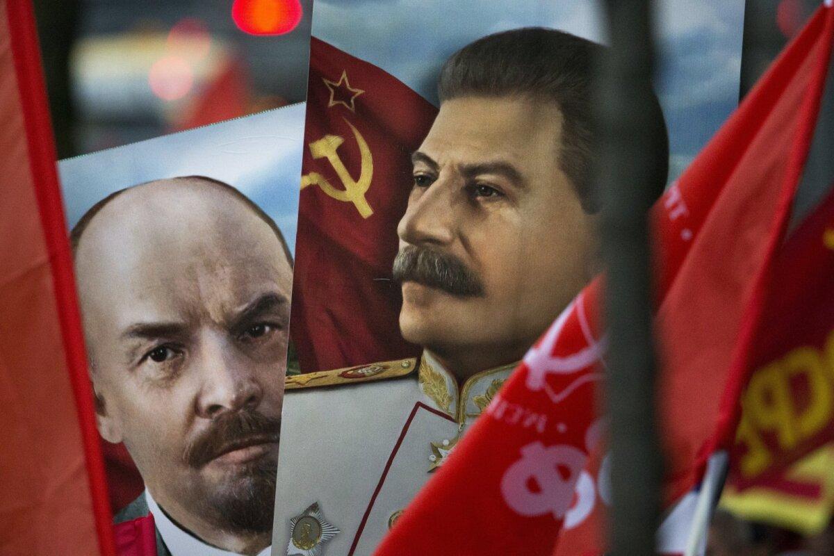 Vene kommunistide meeleavaldustelt pole Lenin ja Stalin kuhugi kadunud.
