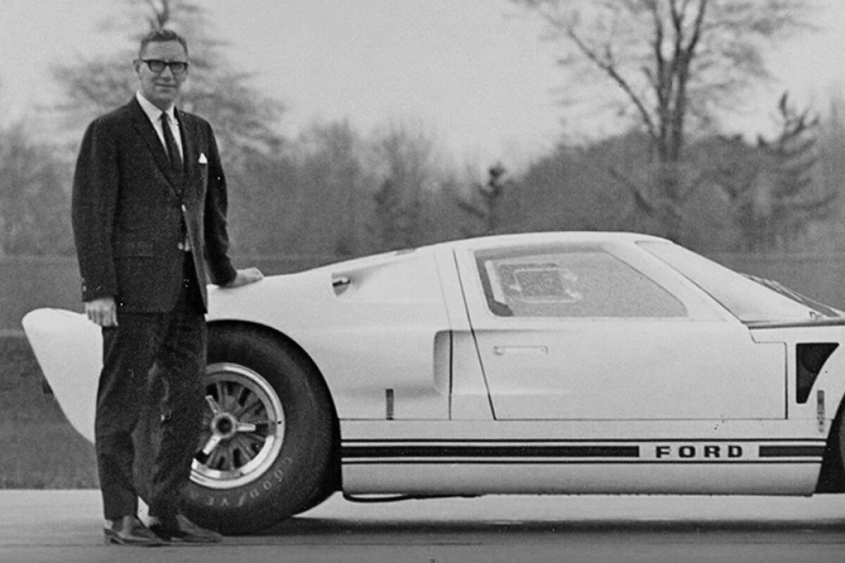 Roy Lunn ja Ford GT