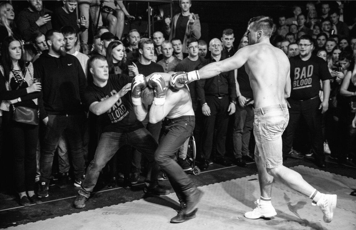 Korvpallitreener Marko tümitamas oma vastast Mattiast.