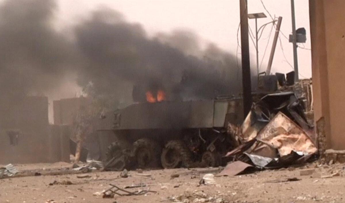 Уничтоженный взрывом БМП VBCI вооруженных сил франции, Гао, Мали