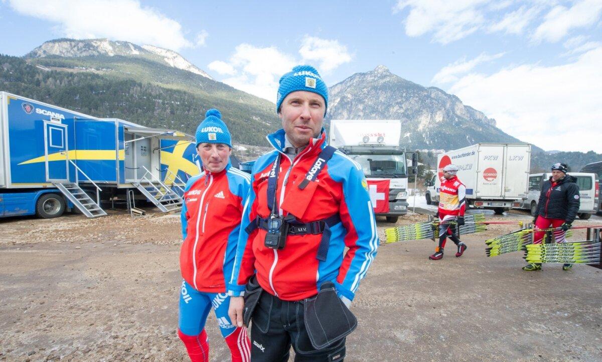 Урмас Вяльбе (справа) и Ээро Бергманн в форме сборной России