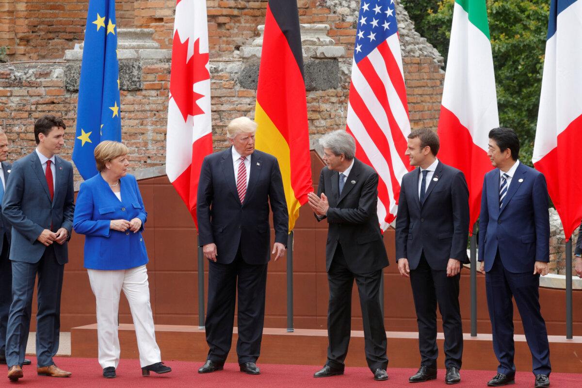 G7 ühisfotoks valmistumine 2017. aastal.