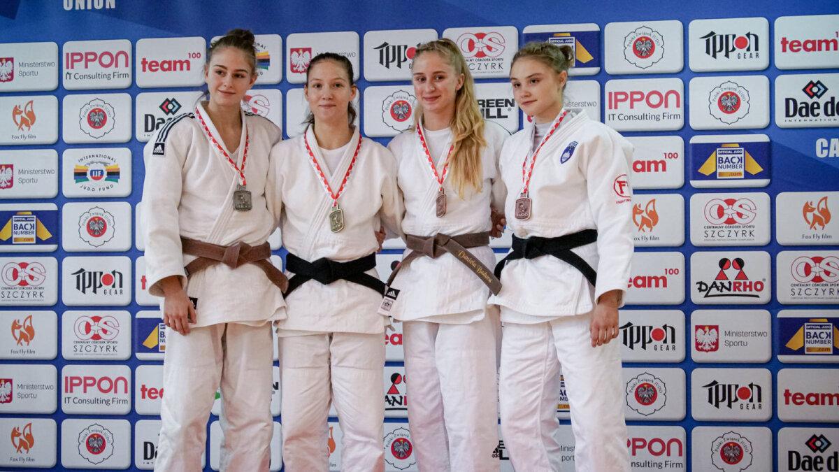 Anna Liisa Nurm (vasakult teine).