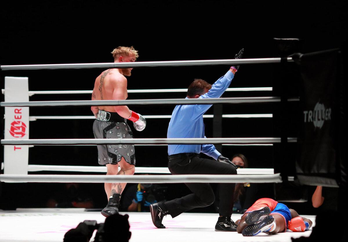 Jake Paul nokauteeris teises raundis Nate Robinsoni.