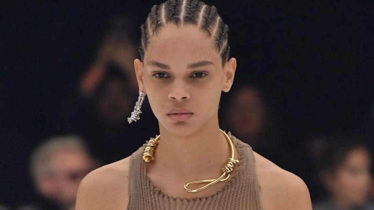 Сторонники дизайна новой коллекции отметили, что украшение выглядит не так уж устрашающе и что искусство создано для того, чтобы шокировать людей