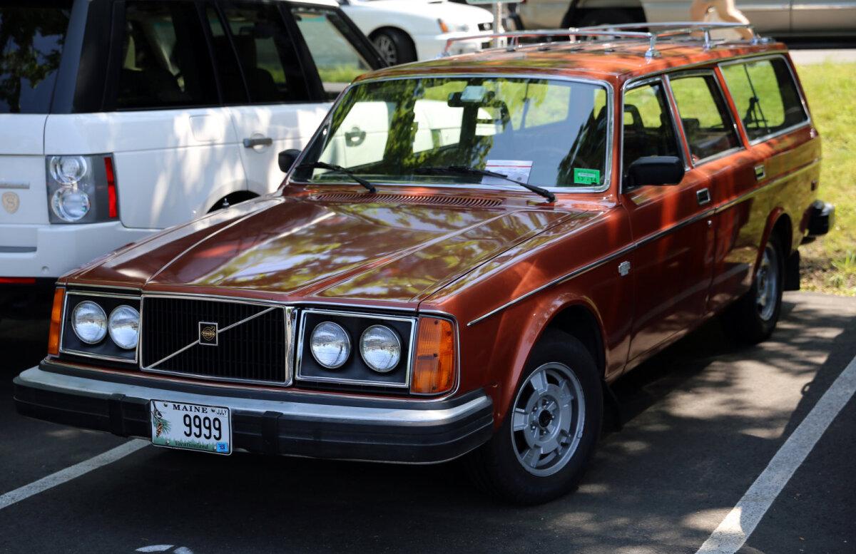 Volvo 260 seeria luukpära, antud juhul on aga tegemist 2.7 liitrise mootoriga isendiga