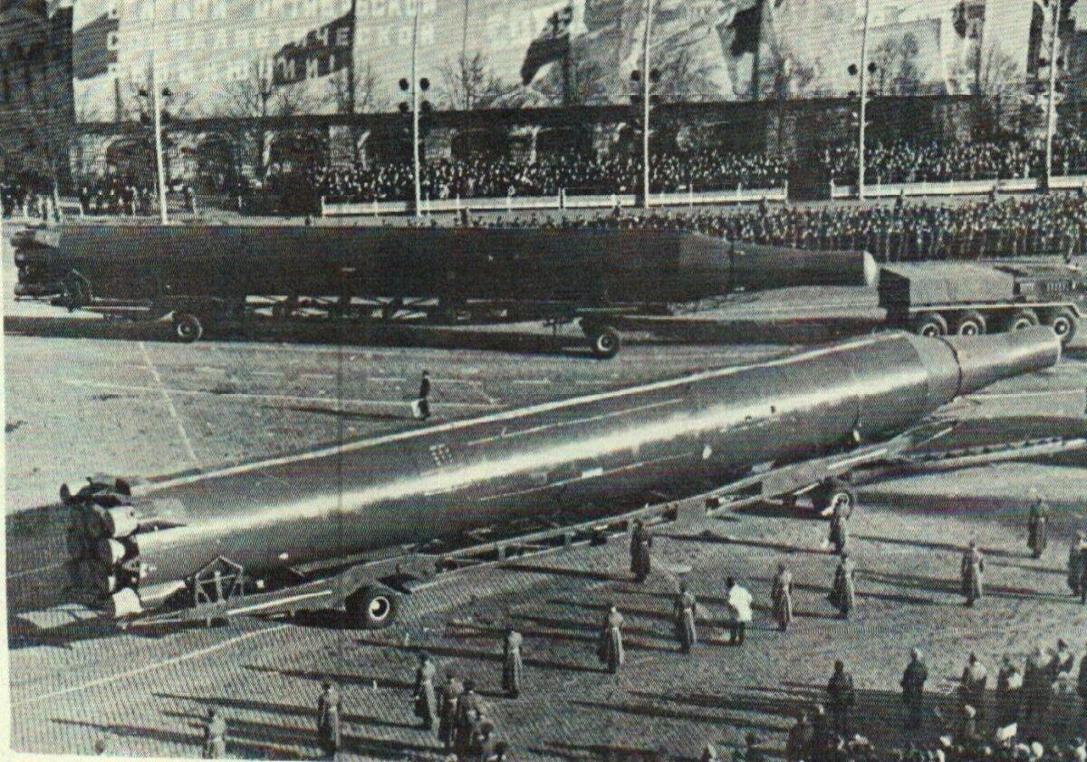 Raketti esitleti ka Moskvas paraadil