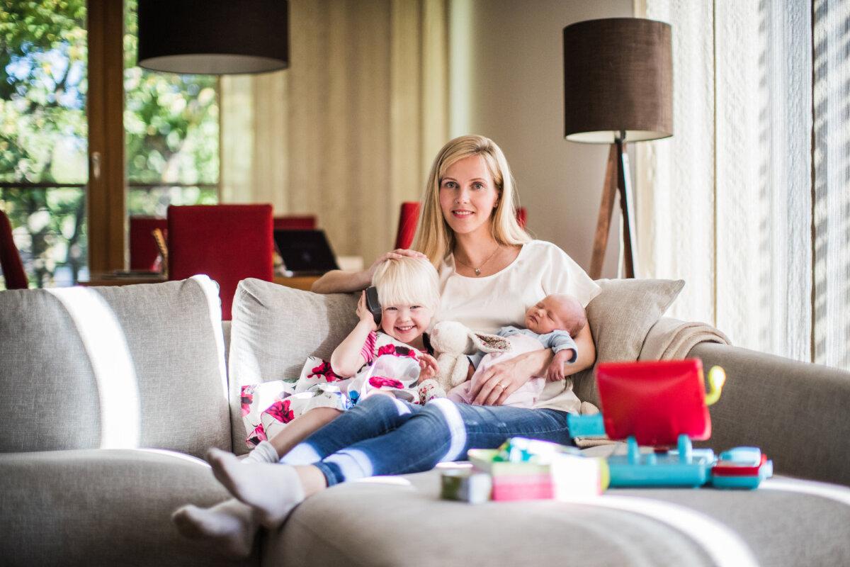 Ines tütarde Isabeli ja Meribeliga Foto: Kiur Kaasik/Ekspress Meedia
