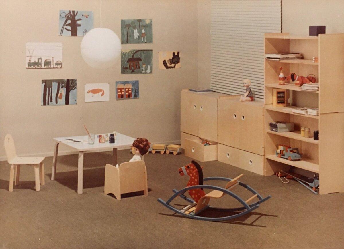 Lastemööblisari 1970. aastate algusest. Disainerid Aleksander Aus ja Ilja Suurmets.