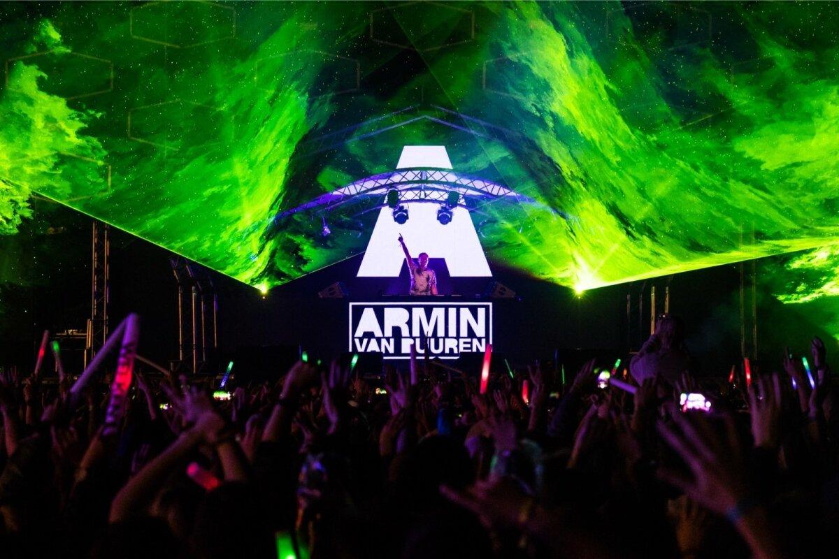 Armin van Buuren Weekend Festivalil.