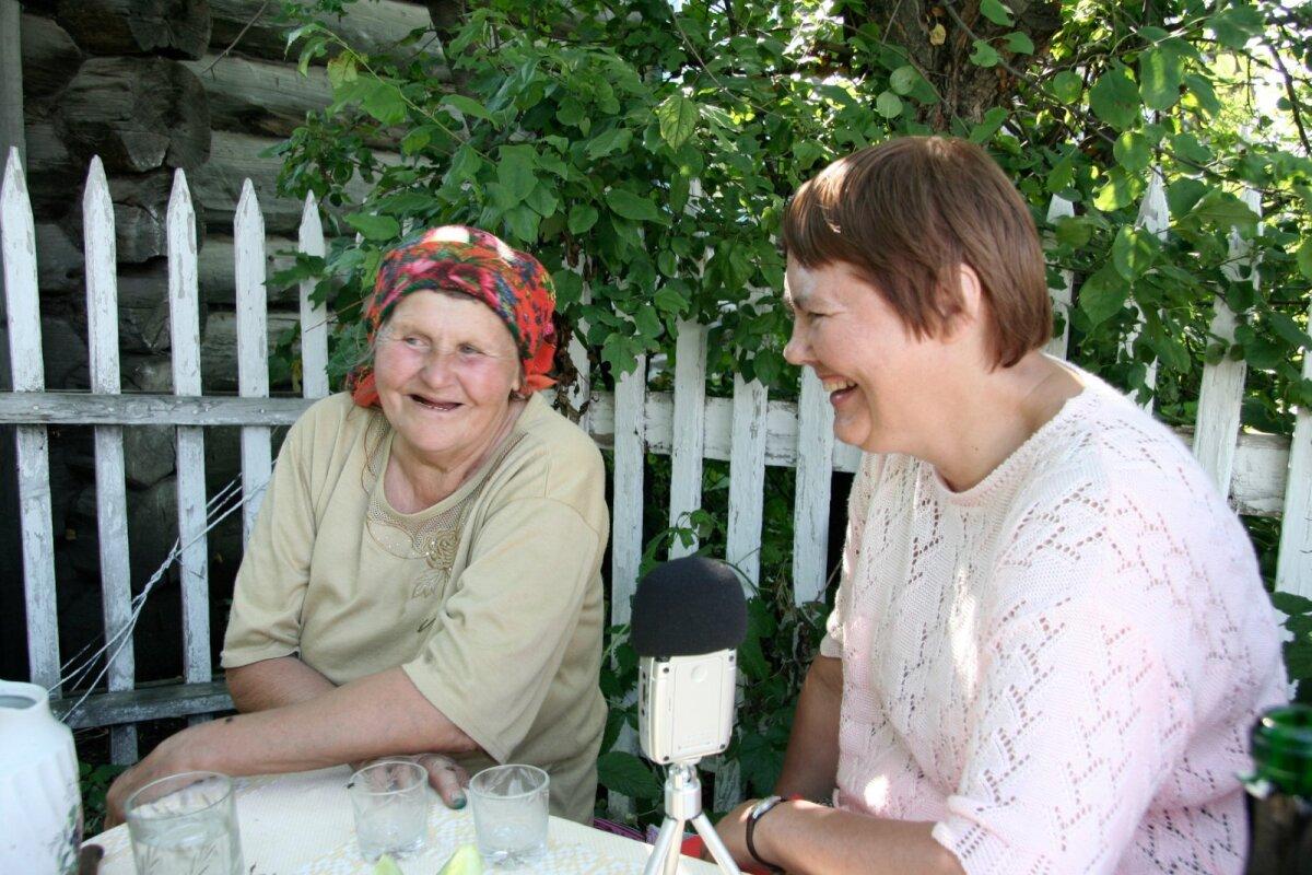 Maria (Manni) Peterson ja Anu Korb 2008. aastal Krasnojarski krais Haida külas