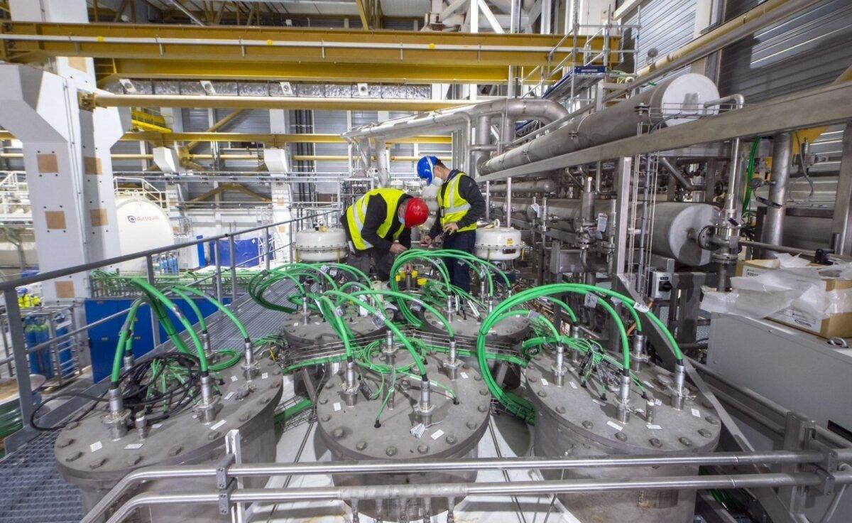 Реактор уже на 70% готов