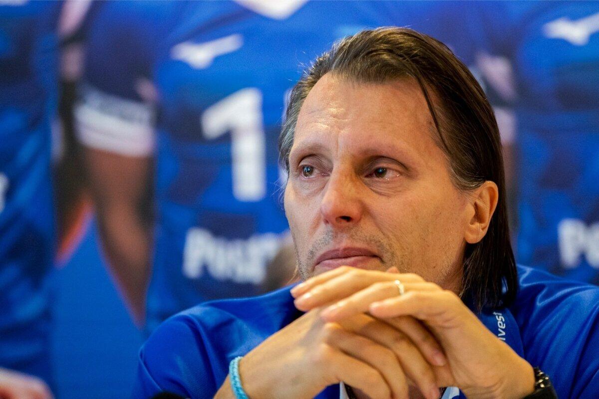 Eesti võrkpallikoondise treeneritoolilt lahkumisest teatamine 19. septembril võttis Gheorghe Cretul silma märjaks.