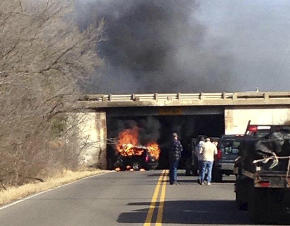 MILJARDÄRI HUKK: 2. märtsil 2016 kihutas Oklahoma osariigis Jonesis vastu betoonist sillaposti auto, mis kokkupõrke tagajärjel põlema süttis. Autost leiti ainsa reisija Aubrey McClendoni surnukeha.