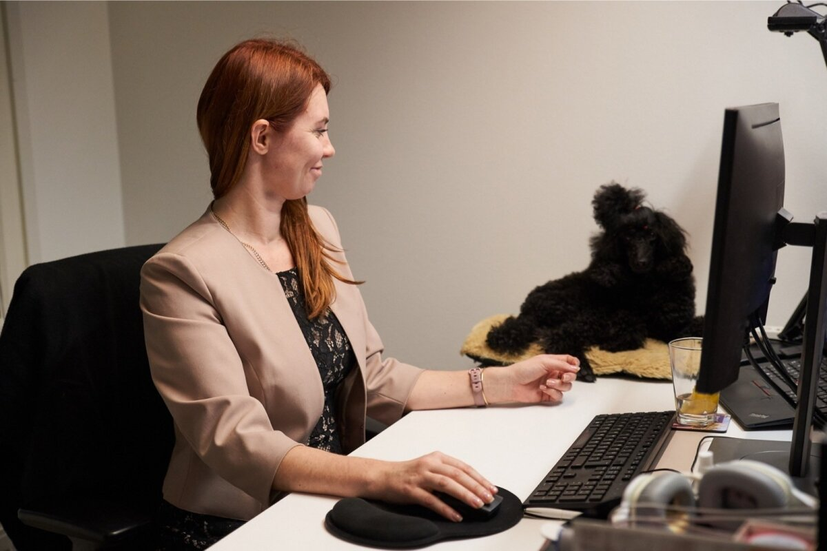 Karin ja Sipsik teevad koos tööd.