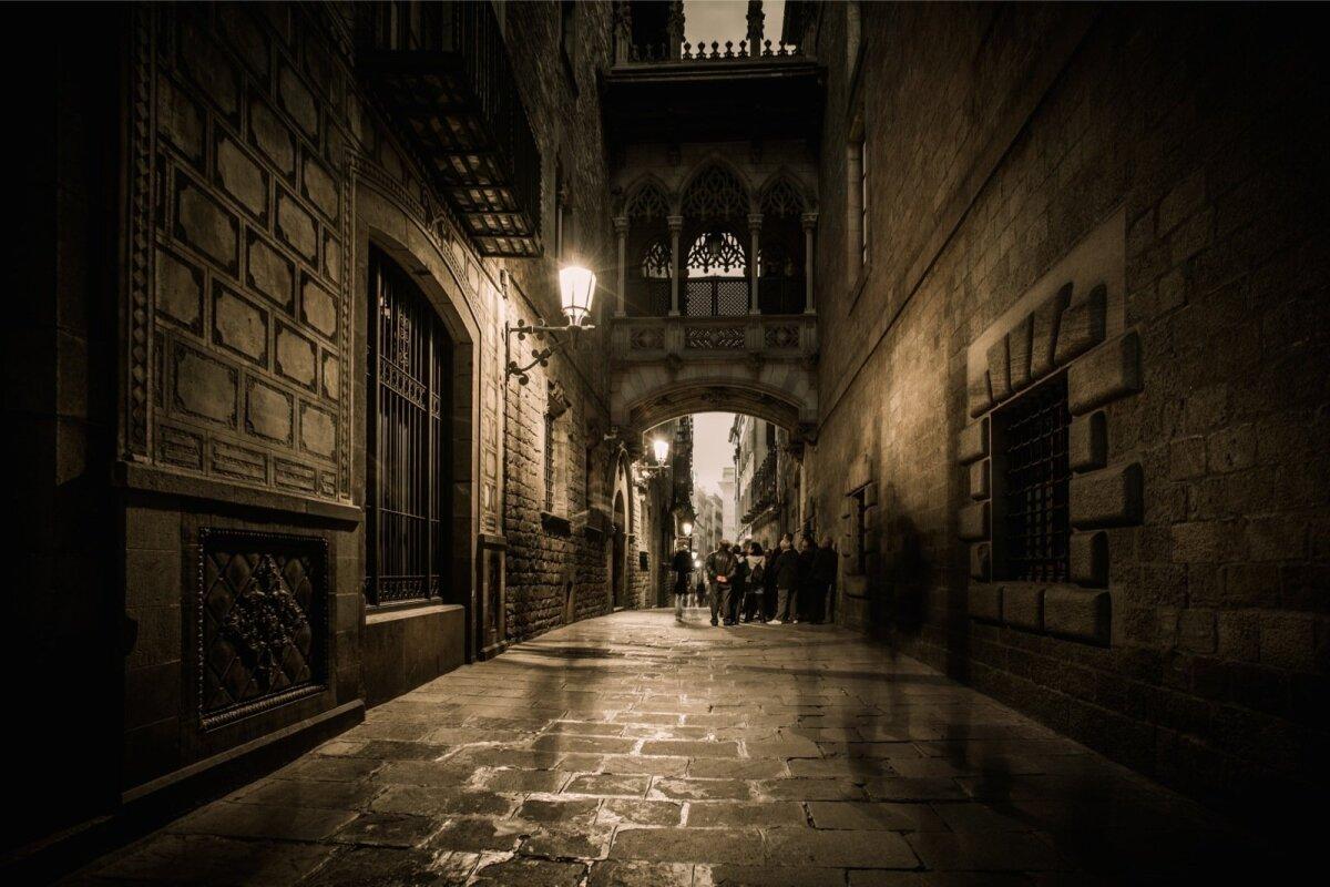GOOTI KVARTAL: Barcelona vanalinna kitsad tänavad, millele meie vanalinn siiski sugugi alla ei jää.