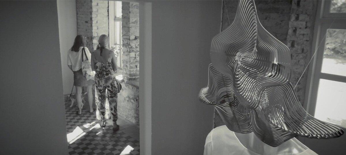 """Tanel Veenre """"mask"""" ja Aldo Järvsoo pruudikleit."""